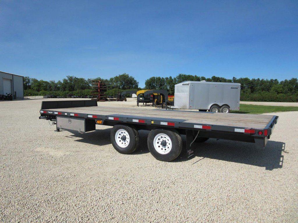 bumperpull deckabove 01 pic D 1 1024x768 - Precision Trailer - livestock trailers for sale Alberta