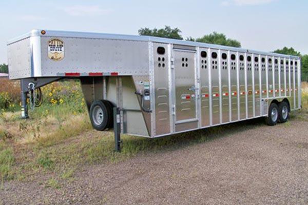gooseneck length 28 pic 4 - Merritt Trailer - livestock trailers for sale Alberta