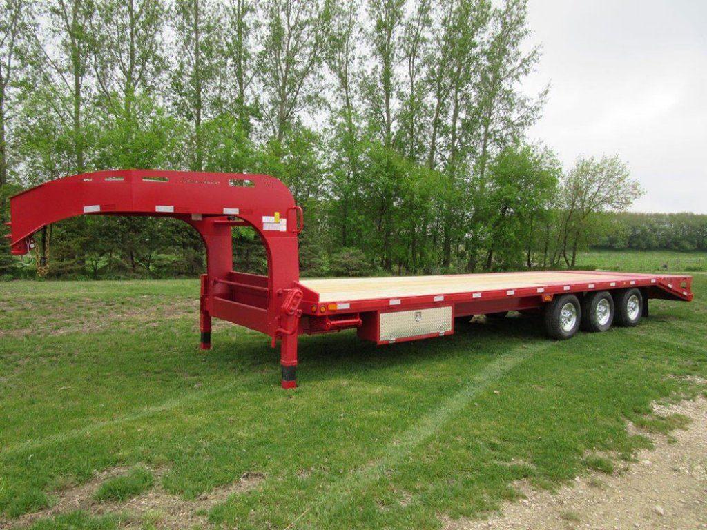 gooseneck withbeavertailramps 01 pic A 1 1024x768 - Precision Trailer - livestock trailers for sale Alberta