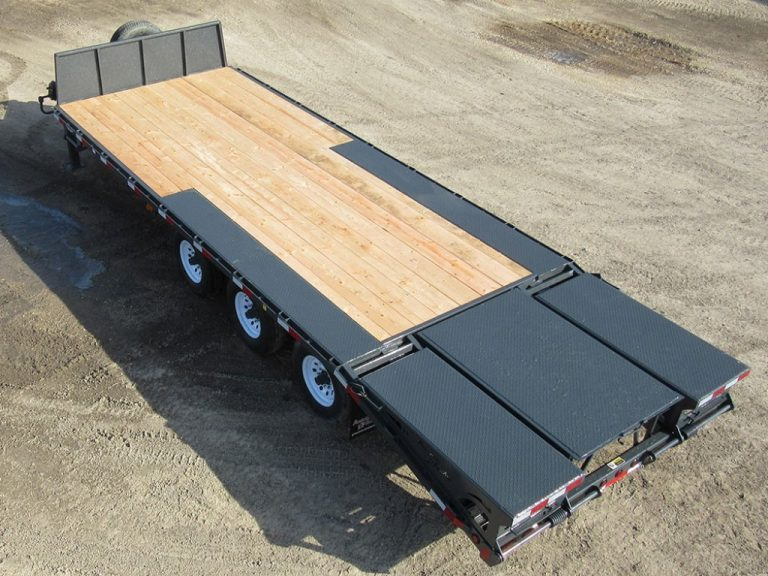 pintlehitch 02 pic I 1 768x576 - Precision Trailer - 	livestock trailers for sale Alberta